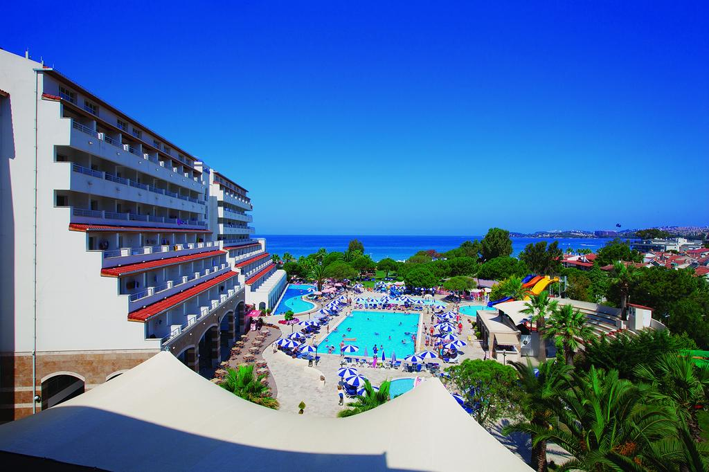 Batihan Beach Resort & Spa Hotel Kusadasi