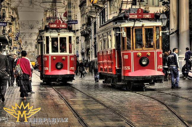 خیابان استقلال مرکز توریستی و قلب شهر استانبول