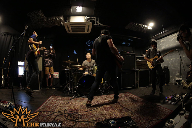 تماشاي اجراي موزيك زنده در كوالالامپور