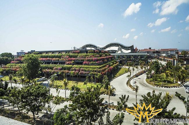 فرودگاه بین المللی انگوراه رای بالی