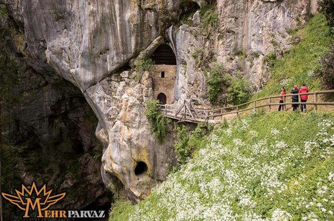 قلعه پردجاما-اسلووني،مهرپرواز