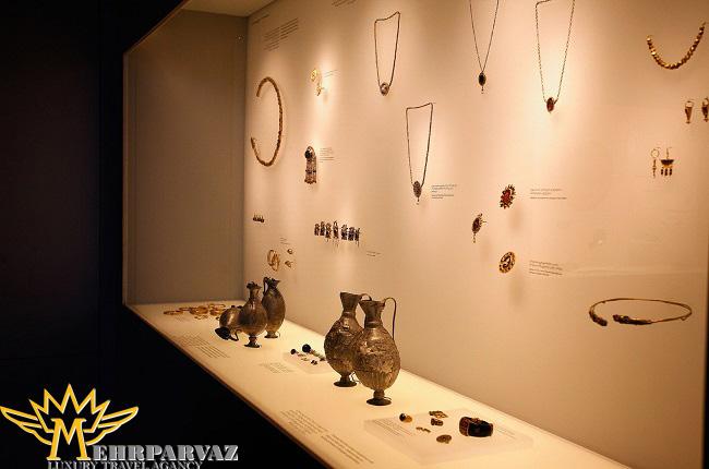 موزه ملی گرجستان با تقاشی های کهن قاجاری