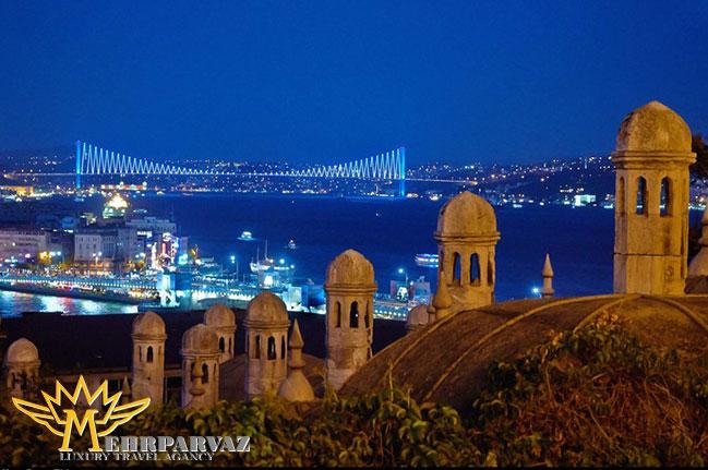 استانبول در دو قاره است و خوش گذرانیتان را دوبرابر می کند.